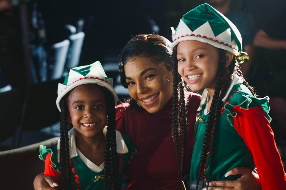 A CHRISTMAS WINTER SONG Ashanti Stan Shaw Sashani Nichole Behind The scenes_-35